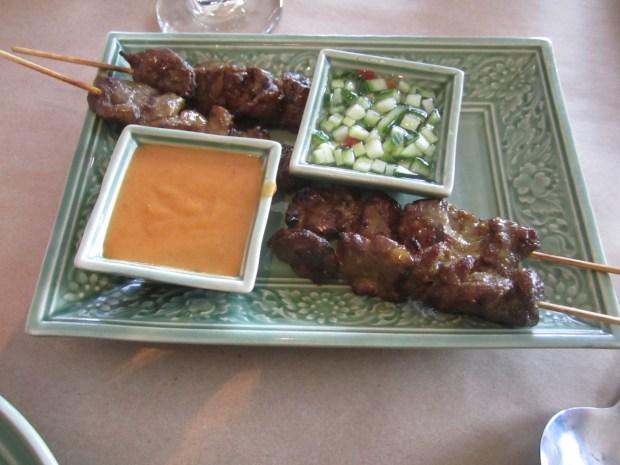 Satay. Restaurant Thailande. Photo Esther Szeben.