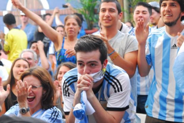 Argentina vs. Netherlands. World Cup. Cafe Frappe. Photo German Silva.