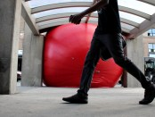 Redball Project at Jean Talon Metro. Photo Magali Crevier.