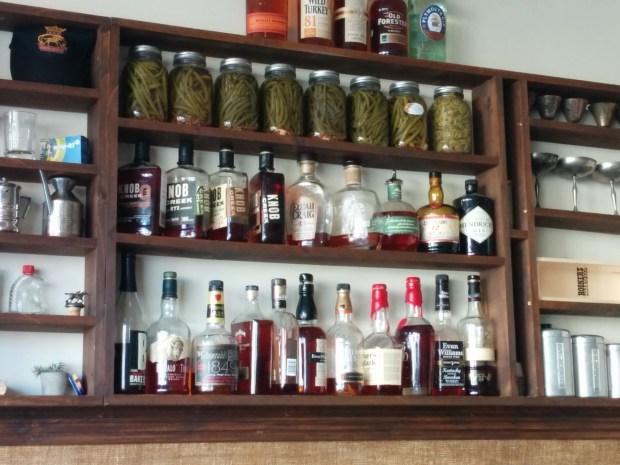 Bourbon. Dinette Triple Crown. Photo Esther Szeben.
