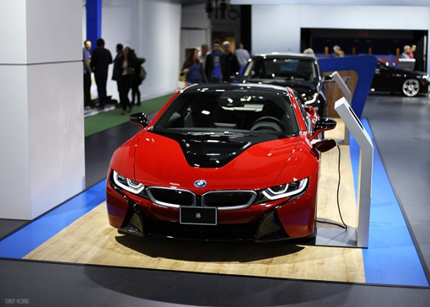 BMW i8 Rouge protonique, X5 xDrive 40e. Photo : Cindy Voitus.