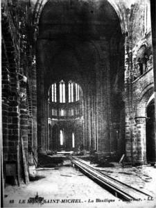 Intérieur église abbatiale Mont-Saint-Miche délabréel