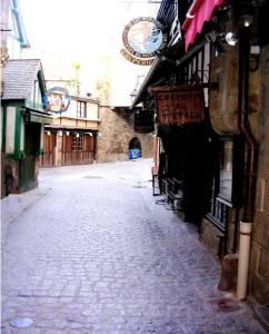 La Rue Basse Mont-Saint-Michel