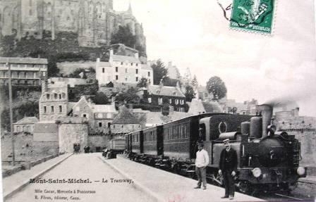 Train devant les remparts du Mont-saint-Michel