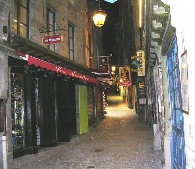 Rue principale le soir