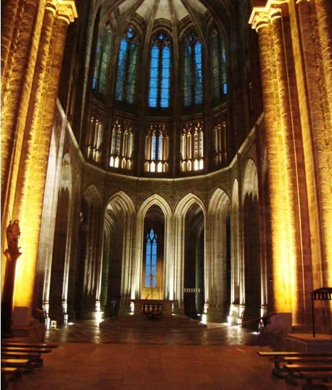 Eglise abbatiale illuminée