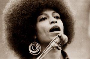 Reinas negras. Biografías. Ángela Davis