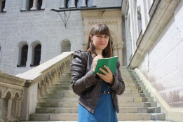 SSR with notebook on the steps of Neuschwanstein - August 2014