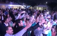 بالصور ..عريس تونسي يطير هو وعروسه أمام أعين المدعوين