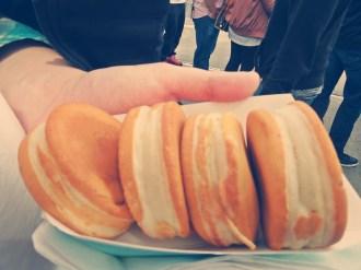 今川焼き [tn. imagawayaki, pancake with red bean filling]