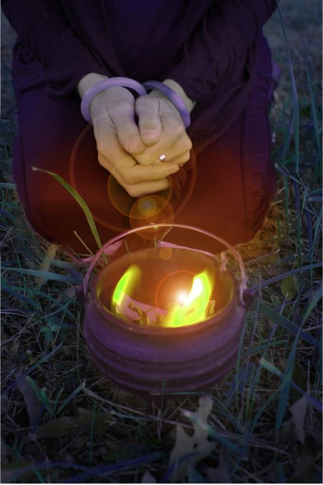 samhain cauldron smaller