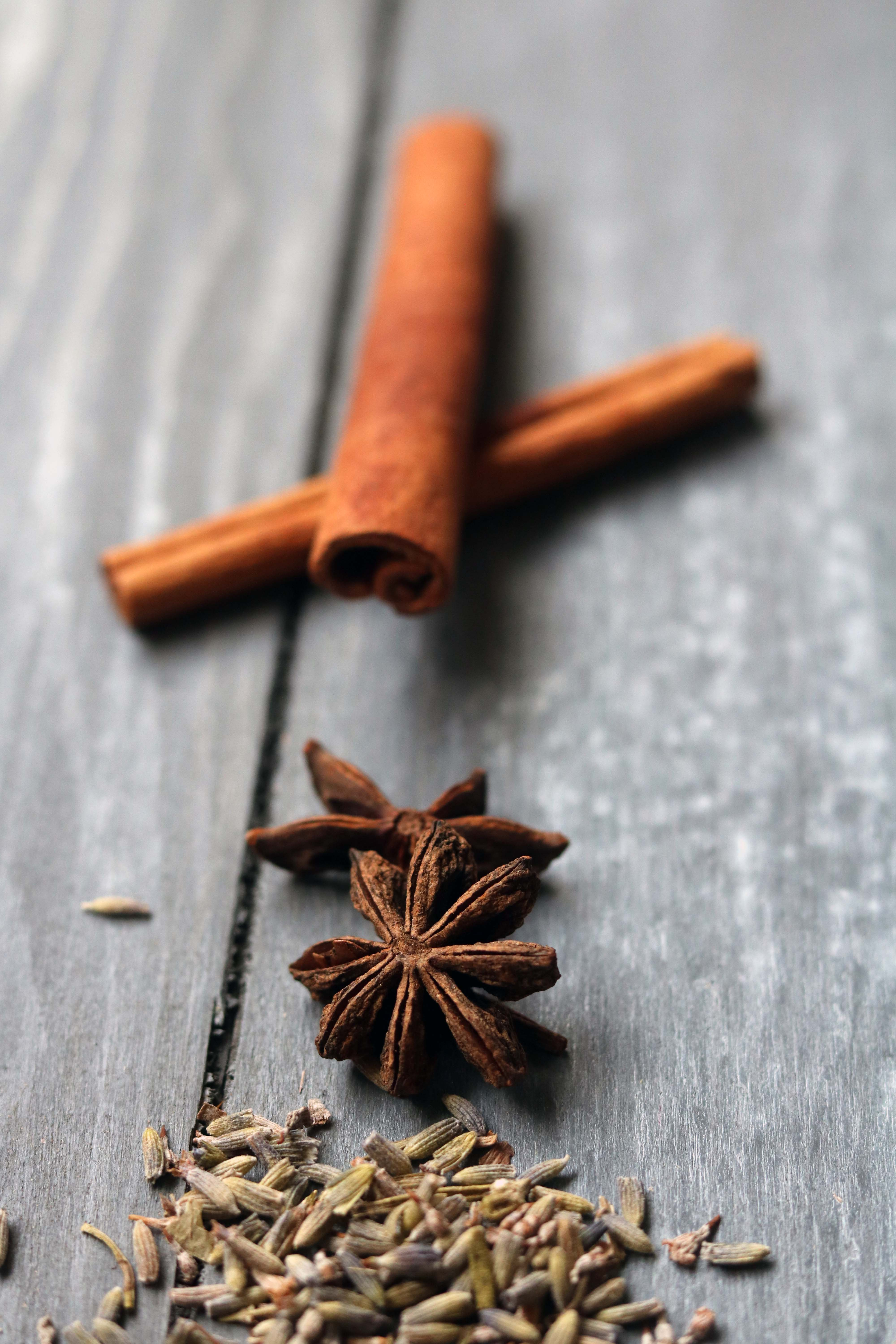 Cinnamon, star anise and lavender.