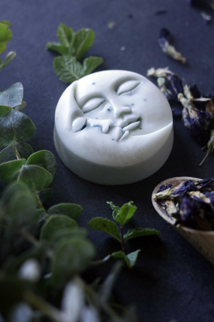 Beautiful, lye-free melt-and-pour soap recipe for moon-shaped ritual soap to use during the Esbat.  Perfect for a full moon party!