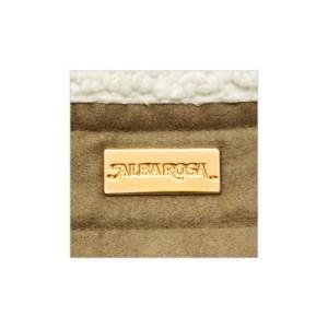 ALBA ROSAのムートン風キルティングバッグ