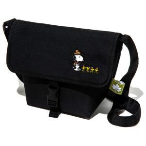 2019年10月発売ローソン限定SNOOPY Beagle Scout メッセンジャーバッグ produced by LOGOS LIMITED BOOKの付録のバッグ