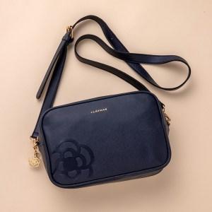 ローソン限定ムック本CLATHAS SHOULDER BAG BOOK SPECIAL PACKAGE付録のバッグ