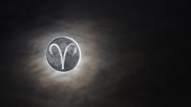 Луна в Овне в гороскопе рождения. Сильные и слабые стороны. Луна в первом доме