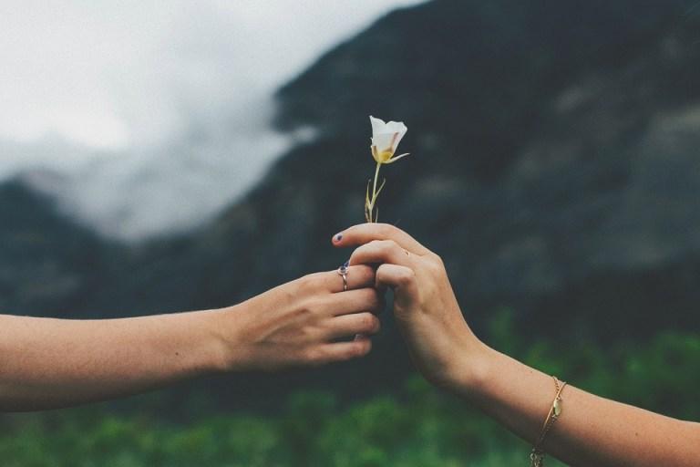 Как привлечь любовь в свою жизнь с помощью закона притяжения. Пошаговая инструкция