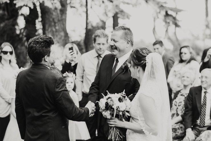 36-tamarack-lodge-forest-chapel-wedding-photographer