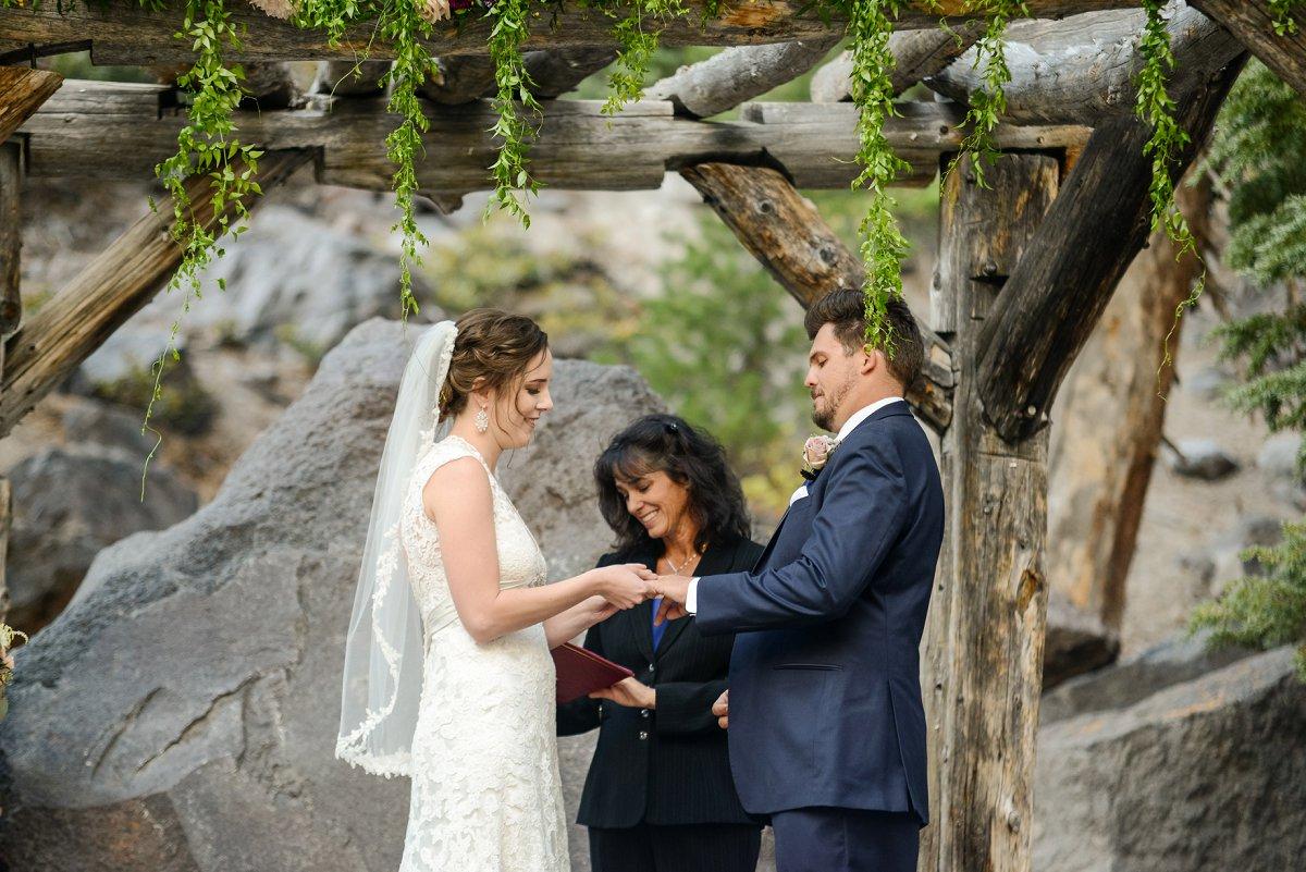 43-tamarack-lodge-forest-chapel-wedding-photographer