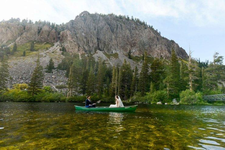49-tamarack-lodge-twin-lakes-mammoth-wedding-photographer-canoe