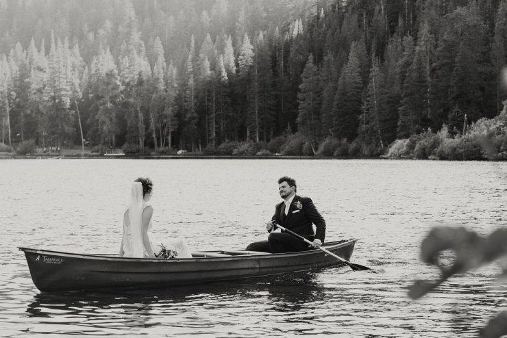 51-tamarack-lodge-twin-lakes-mammoth-wedding-photographer-canoe