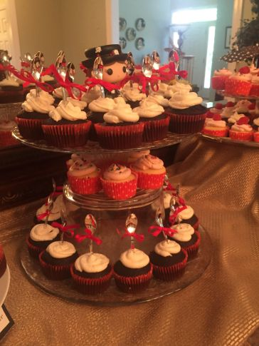 Mary Poppins Party Cupcakes