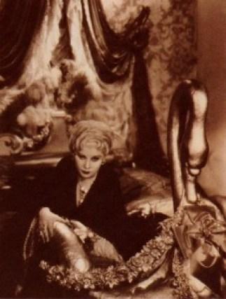 Mae y Marlene. Chaisse longue.