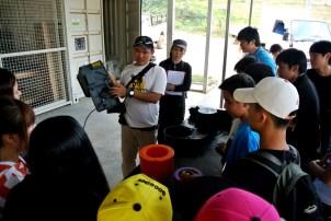 Farm Tour: PK explaining how the Autopot works