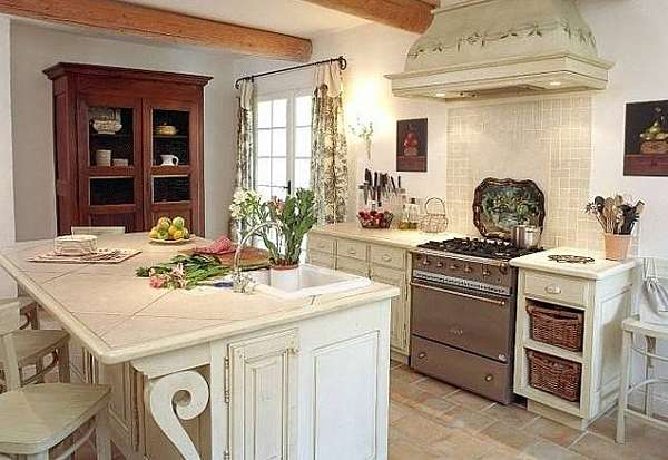 Country French Kitchen Decor Combines Charm And Rustic Beauty