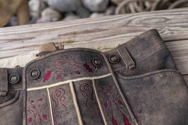 Sämisch gegerbte Wildbock Lederhose Detail3