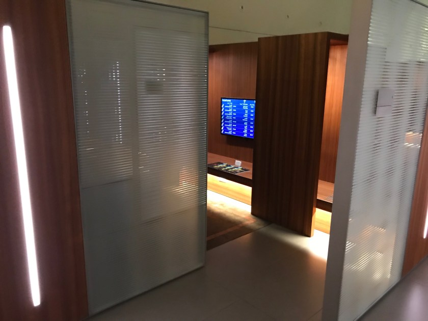 Al Mourjan Business Class Lounge Quiet Area Entrance
