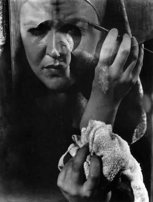 hands of laura laplante retrato manos fotografa imogen cunningham