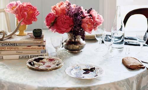 flores vintage mesa libros