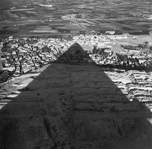 lee miller from the top of the great pyramid 1937