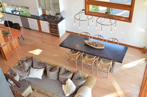 salon comedor vista arriba casa madera