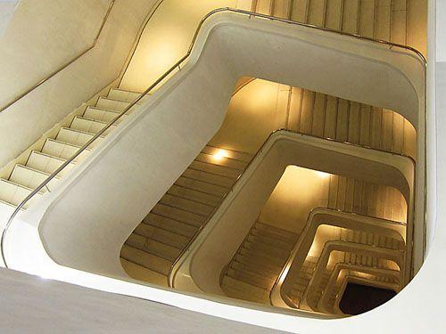 escaleras interiores caixaforum madrid robertopozuelo.com