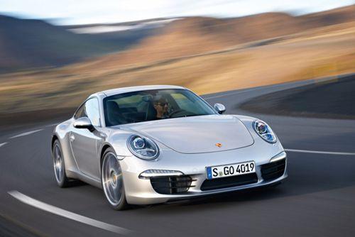 coche diseño porsche 911 carrera ganador red dot