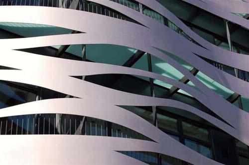 fachada renovada suites avenue aparthotel barcelona toyo ito