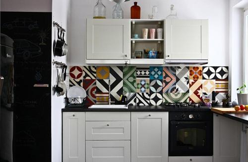 Cocina baldosas coloridas