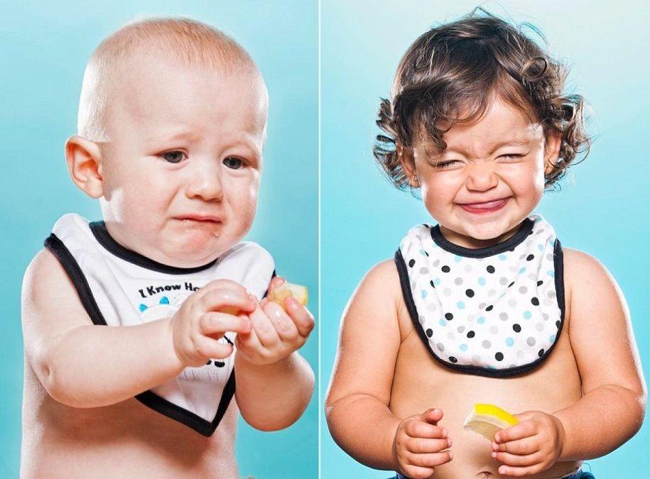 ¿Qué cara pone un niño la primera vez que prueba un limón?