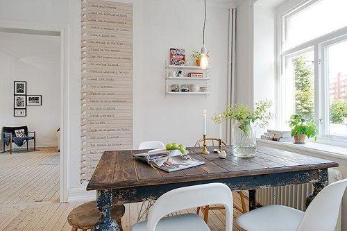 Cocina con mural decorativo