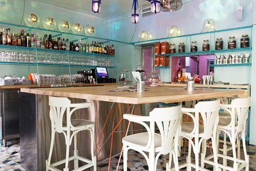 El restaurante Ojalá trae la playa a Malasaña