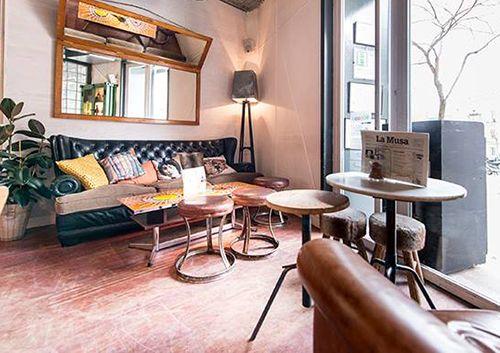 interior la musa la latina madrid restaurante bar