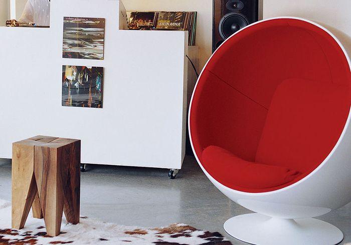 ball chair (silla globo) futurista diseño del finlandes eero aarnio top 20 sillas