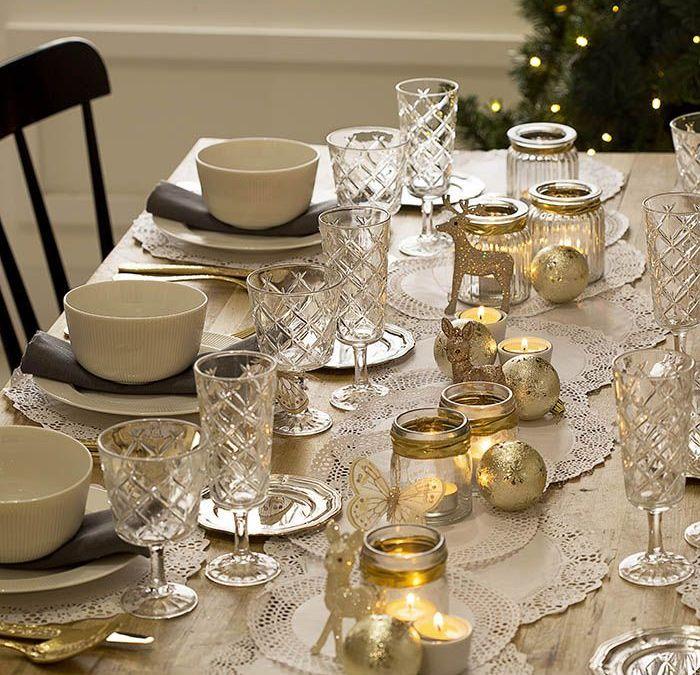 DIY de decoración para crear mesas de Navidad con diferentes estilos