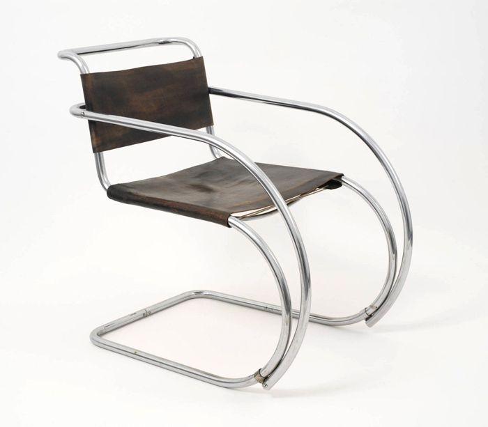 silla tubo patas semicirculo van der rohe