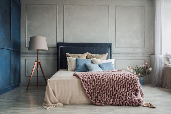 colores gris y azul en habitacion doble
