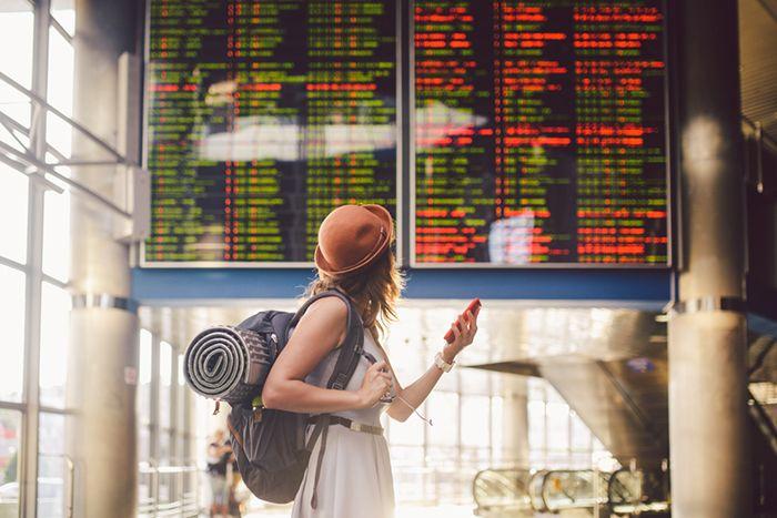pantalla vuelos aeropuerto