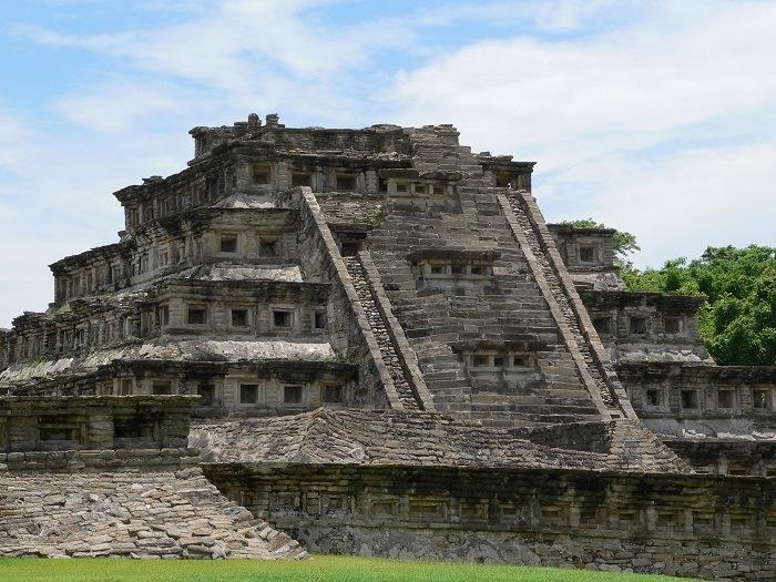 la piramide de los nichos